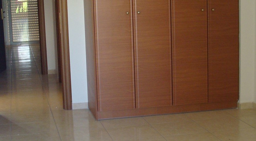 Μητροπόλεως Γ κτιριο Δ2_υπνοδωμάτιο 2